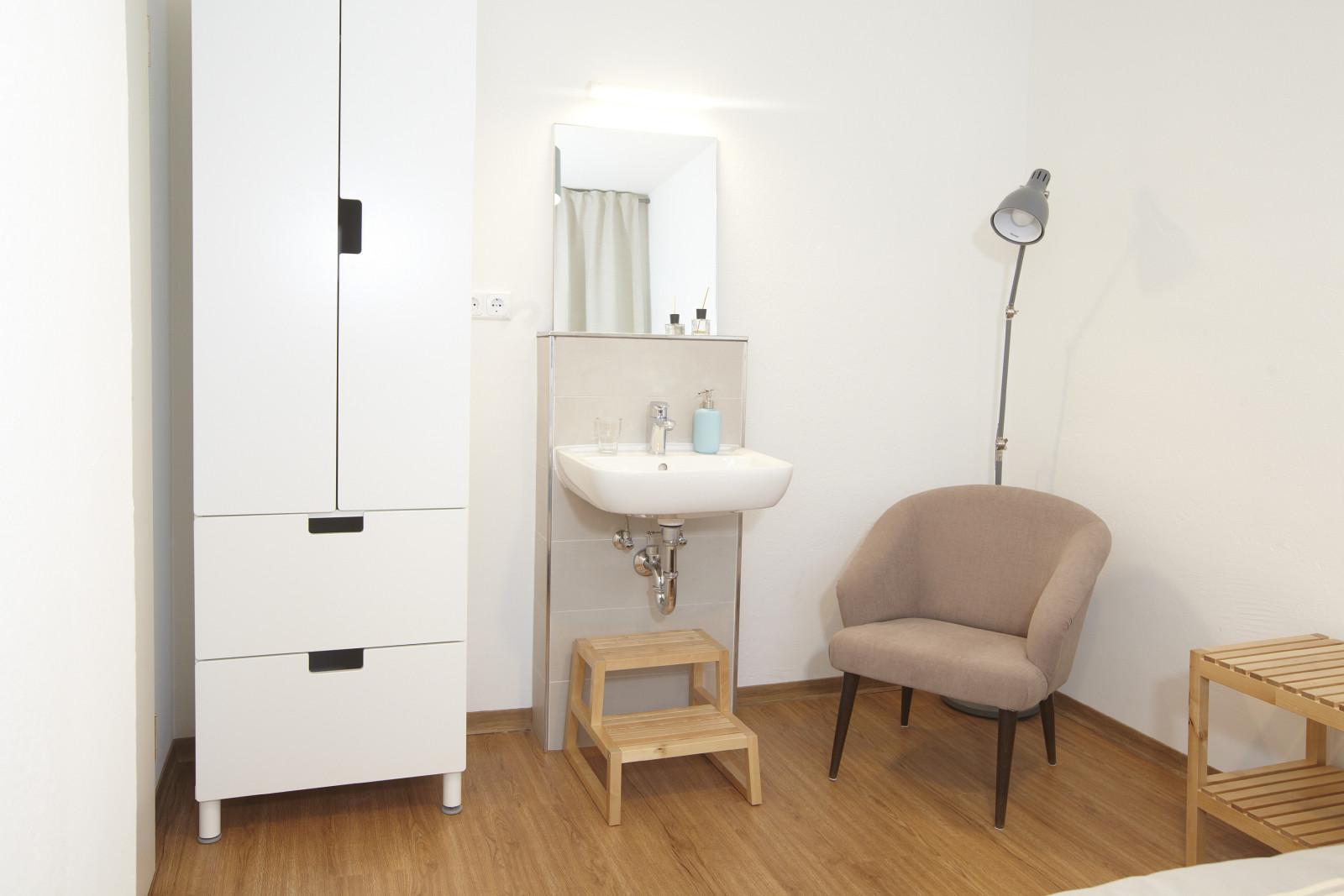 zimmer 1 salzquartier hostel l neburg. Black Bedroom Furniture Sets. Home Design Ideas
